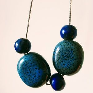 The Brilliance of blue, Statement necklace